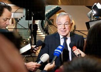 Alain Lamassoure, chiar of the European Parliament's Budget Committee, speaks to media after the seven-year budget was approved, Nov. 19, 2013 (Photo courtesy European Parliament)