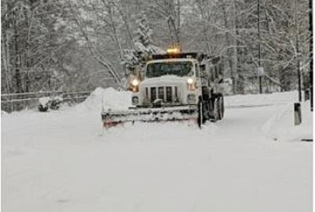 Blowing Snow, Ice Storms Paralyze Much of United States