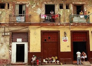 Neighbors in Old Havana, January 2012 (Photo by