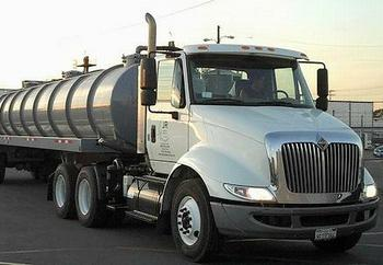 grease collecting truck
