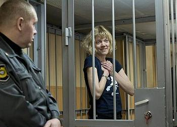 Finnish citizen Sini Saarela was one of those who climbed a rope attached to the Gazprom drilling rig, shown here in Murmansk District Court (Photo by Dmitri Sharomov courtesy Greenpeace)