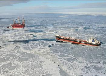 Russia Ships First Arctic Oil, Fortifies Oil Defenses thumbnail