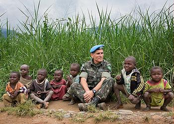 MONUSCO General, children